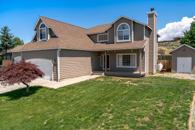East Wenatchee, Rock Island, Orondo Single Family Home For Sale: 2422 Highland View Dr