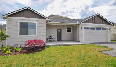 Wenatchee, Malaga Single Family Home For Sale: 1739 Skeena Ct