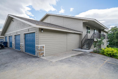East Wenatchee Condo/Townhouse For Sale: 520 11th St #9