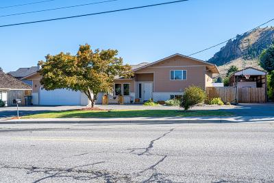 Wenatchee, Malaga Single Family Home For Sale: 1421 Cherry St
