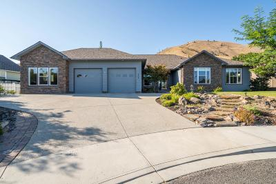 Wenatchee Single Family Home For Sale: 394 Lars Ln