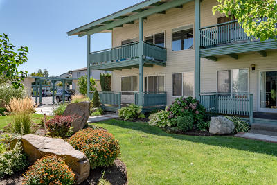 Wenatchee Condo/Townhouse For Sale: 10 S Cove Ave #21