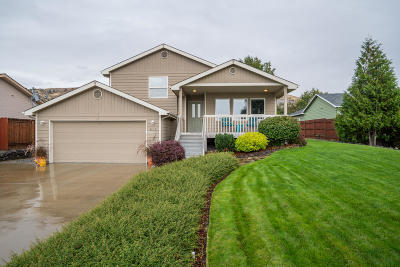 East Wenatchee Single Family Home For Sale: 215 McCauley Ct