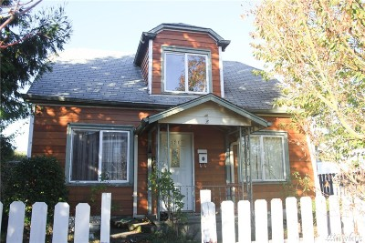 Single Family Home Sold: 121 W 1st St