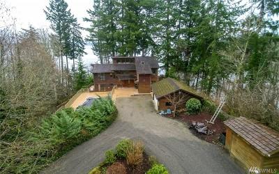 Single Family Home Sold: 7646 Sandy Point Beach Rd NE