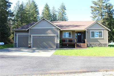 Yelm Single Family Home For Sale: 15405 Rainier View Dr SE