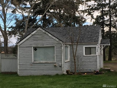 Oak Harbor Single Family Home For Sale: 762 E Whidbey Ave