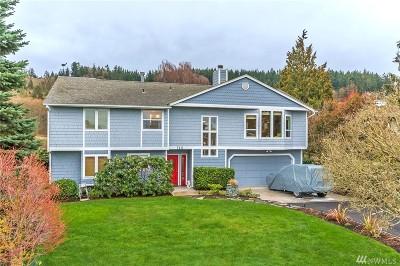 Oak Harbor Single Family Home For Sale: 748 Bay Front Lane