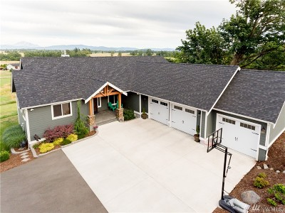 Bellingham Single Family Home For Sale: 663 W Smith Rd
