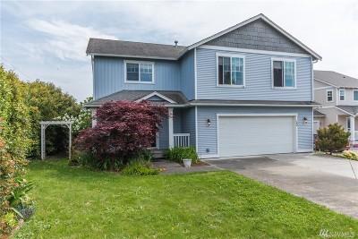 Oak Harbor Single Family Home For Sale: 22 SW Eston St