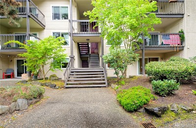 Bellevue Condo/Townhouse For Sale: 13620 NE 7th St #F2