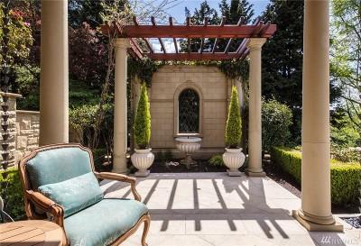 Bellevue Single Family Home For Sale: 405 Shoreland Dr SE