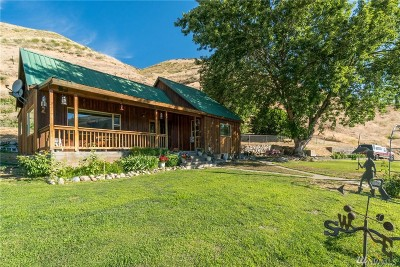 Methow Single Family Home For Sale: 1065 State Hwy 153