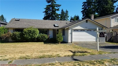 Lynnwood Single Family Home For Sale: 5213 170th Place SW