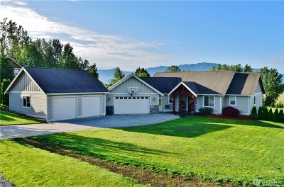 Sumas Single Family Home Contingent: 105 Ridgeview St