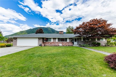 Darrington Single Family Home For Sale: 450 Commercial Ave