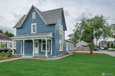 Single Family Home Sold: 227 N Oak St