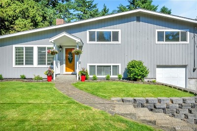Lakewood Single Family Home For Sale: 10507 Cedrona St SW