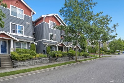 Issaquah Condo/Townhouse For Sale: 1650 25th Ave NE #203