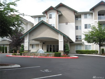 Newcastle Condo/Townhouse For Sale: 13301 SE 79th Place #B305