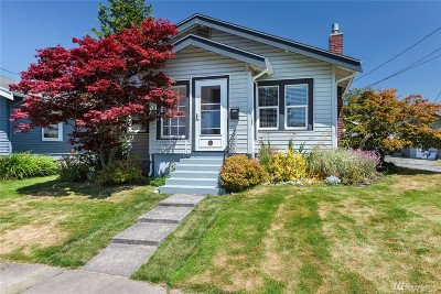 Single Family Home For Sale: 103 Crescent Place