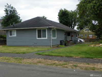Montesano Multi Family Home For Sale: 215 N Sylvia St
