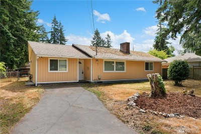 Mountlake Terrace Single Family Home For Sale: 21709 52nd Ave W