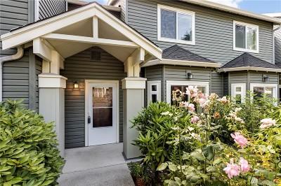 Redmond Condo/Townhouse For Sale: 9412 177th Place NE #2