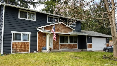 Single Family Home For Sale: 2823 Nisqually View Lp NE