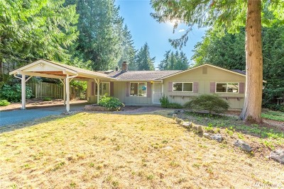 Sammamish Single Family Home Contingent: 821 207 Place NE