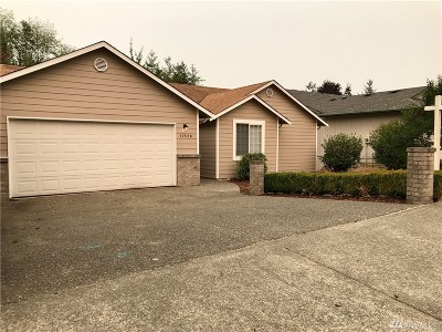 Arlington Single Family Home For Sale: 17520 Highland View Dr
