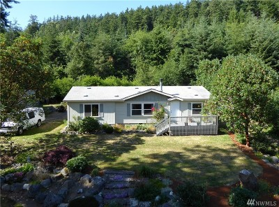 Anacortes Single Family Home For Sale: 7037 Holiday Blvd