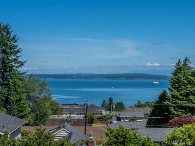 Everett Single Family Home For Sale: 4821 Dover St