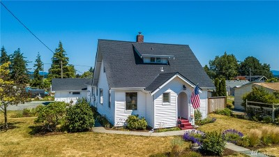 Anacortes Single Family Home For Sale: 1620 11th St