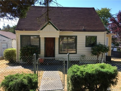 University Place Single Family Home For Sale: 2910 Parkway Dr W