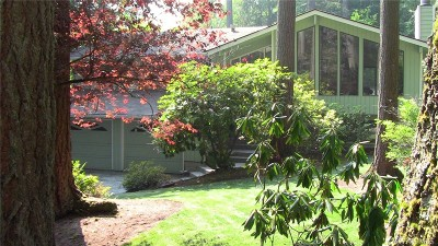 Woodinville Single Family Home For Sale: 14119 Bear Creek Rd NE