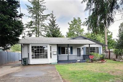 Sumner Single Family Home Contingent: 1715 Washington St