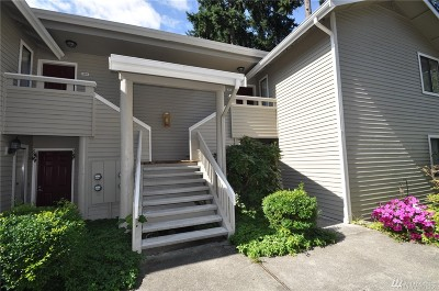 Redmond Condo/Townhouse For Sale: 9009 Avondale Rd NE #B203