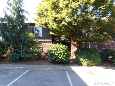King County Condo/Townhouse For Sale: 3425 S 176th St #205