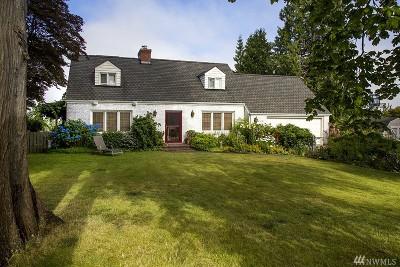 Everett Single Family Home For Sale: 4806 Seahurst Ave