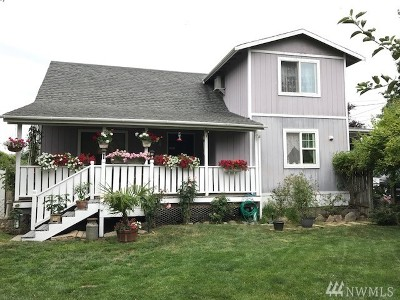 Carbonado Single Family Home For Sale: 412 4th St