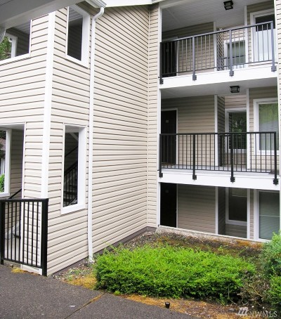 King County Condo/Townhouse For Sale: 5000 NW Village Park Dr #D221