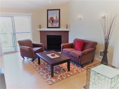 Redmond Condo/Townhouse For Sale: 15132 NE 82nd #303