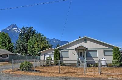 Darrington Single Family Home For Sale: 625 S Emens Ave