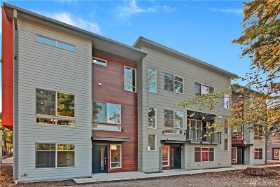 Bellevue Condo/Townhouse For Sale: 1629 163rd Place NE #G-2