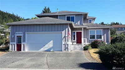 Anacortes Single Family Home For Sale: 3705 W 7th St