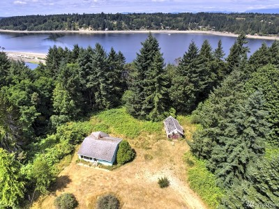 Grapeview Single Family Home For Sale: 490 E Stretch Island Rd S