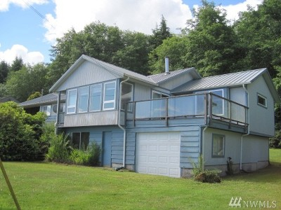 Sekiu Single Family Home For Sale: 8510 Hwy 112