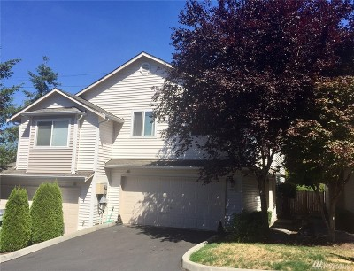 Snohomish County Condo/Townhouse For Sale: 8712 1st Place NE #B