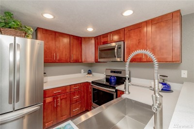 King County Condo/Townhouse For Sale: 1826 S 285th Place #D